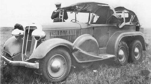 Трофейный японский штабной автомобиль Тип 96 (заводское обозначение Isuzu К10). Август 1939 года. Обратите внимание на цепь для улучшения проходимости, надетую на среднее колесо (АСКМ)