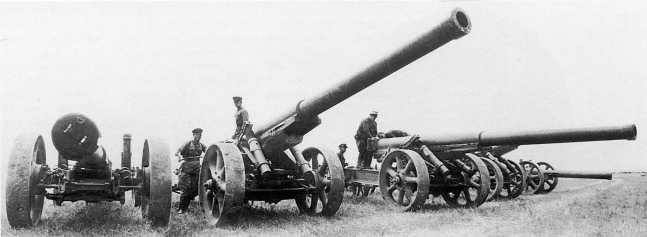 Трофейные 150-мм орудия Тип 89 из состава 1 — го тяжелого полка полевой артиллерии. Сентябрь 1939 года (ЦМВС)