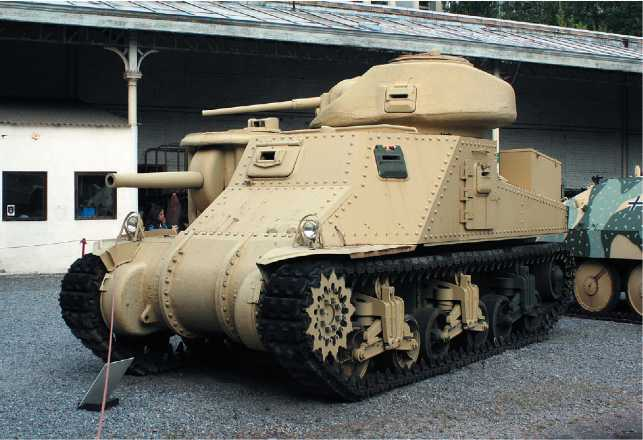 Крейсерский танк Grant I в экспозиции военного музея в Брюсселе.