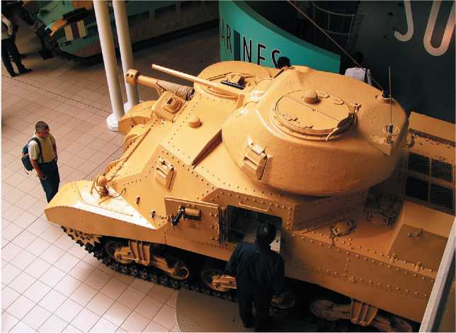 Крейсерский танк Grant I. Британский Имперский военный музей в Лондоне.