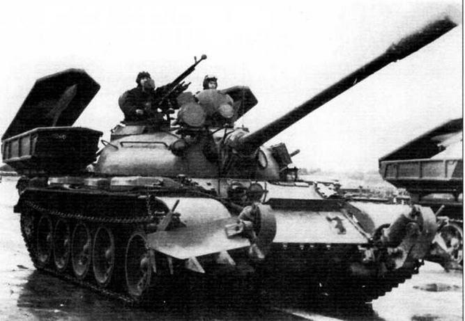 Польский танк Т-55. Дополнительно вооружен советскими противотанковыми управляемыми ракетами «Шмель»