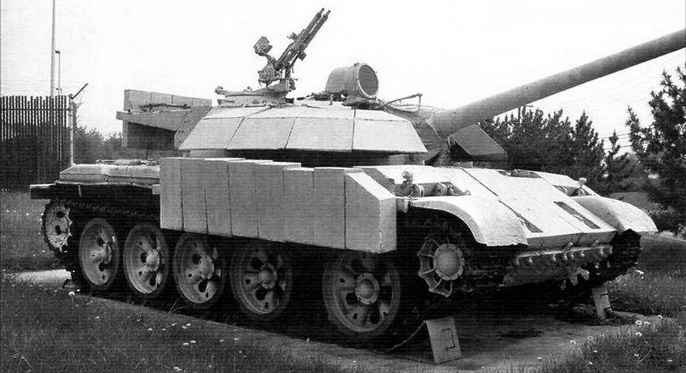 Иракский Т-55 «Энигма» с дополнительным бронированием корпуса и башни
