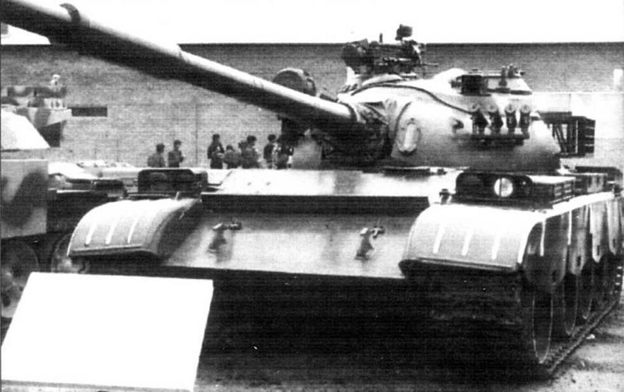 Иракский вариант модернизации Т-55. Танк оснащен 125-мм гладкоствольной пушкой 2А46 с автоматом заряжания