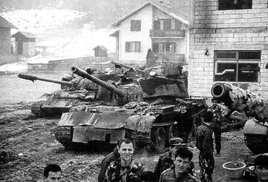 Сербский танк Т-55. Экранирован резинотканевыми листами