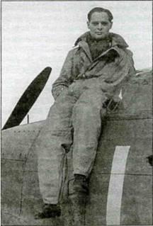 Командир крыла Дуглас Бадер, командовавший во время Битвы за Англию 242-й эскадрильей. Под командованием этого безногого пилота эскадрилья в трех боях заявила 33 победы.