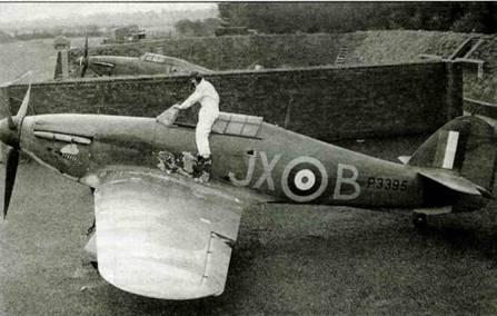 «Харрикейн 1» JX-B, Р3395 из 1-й эскадрильи на аэродроме Виттеринг, сентябрь 1940 года.