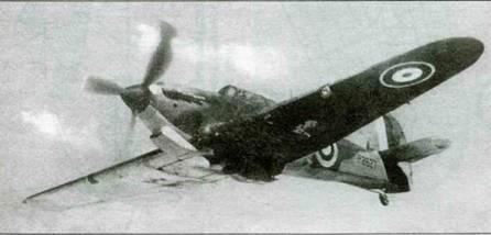 «Харрикейн / Trop», Р2627, выпущенный заводом «Глостер» и направленный в 418-е звено. В августе 1940 года машину отправили на Ближний Восток в состав 274-й эскадрильи, базировавшейся в сентябре 1940 года в Амрия.