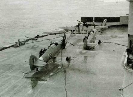 Хоукер «Си Харрикейн Mk IВ» на палубе авианосца «Викторисс», учения 25–27 июня 1942 года.