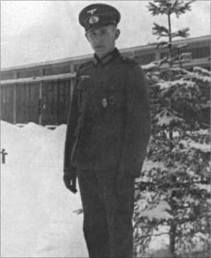 Стрелок Альфред Руббель в 14-й (противотанковой) роте 21-го резервного пехотного полка в феврале1940-го. Кроме спортивного значка на нем руна Гитлерюгенда за достижения [HJ-Leitungsrune].