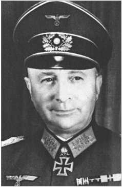 Генерал-майор Йозеф Харпе [Josef Harpe], который командовал 12-й танковой дивизией с октября 1940-го по декабрь 1941 года. Позже он командовал танковыми корпусами и армиями. На фотографии на нем Рыцарский крест с Дубовыми листьями и Мечами.