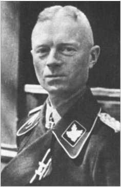 В то время, когда Альфред Руббель служил в 29-м танковом полку, им командовалХерберт-Эрнст Валь[Herbert-Ernst Vahl]. Позже он перешел в Ваффен-СС и в марте 1943-го получил Рыцарский крест.