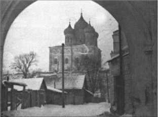Альфред Руббель посещал русскую церковь и был глубоко тронут набожностью русских. В церкви было много и других немецких солдат, и они были там не только из любопытства.