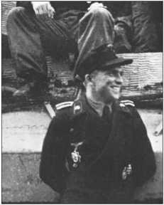 Теперь и Курт Книспель получил Немецкий крест в золоте. Дата награждения: 20 мая 1944 года. Незадолго до конца войны его произвели в фельдфебели.До своей смерти в апреле 1945 года он подбил 162 подтвержденных танка.