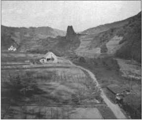 Руины замка недалеко от полигона Ордруф.
