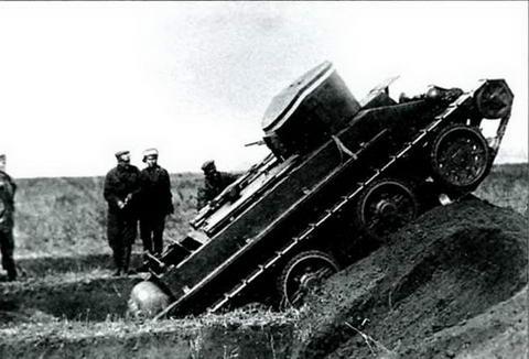 Испытания танка БТ-2 на проходимость, лето-осень 1933 г.