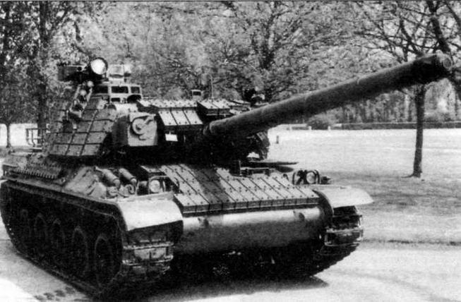 Танк АМХ-30В2 с комплектом навесной динамической защиты BSG2