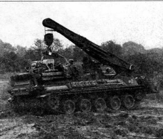Бронированная ремонтно- эвакуационная машина AMX-30D