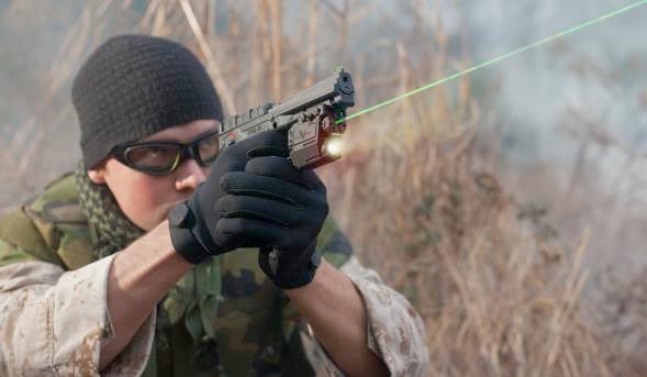 Пистолет Kel-Tec PMR-30 представляет собой весьма универсальное оружие, позволяющее своему владельцу не только много тренироваться в стрельбе, учитывая не высокую стоимость боеприпасов, но и брать его с собой в походы по малодоступным районам в качестве оружия самообороны.