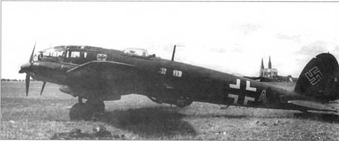 """Не-111 Н-6 (G1+AN) из 5/KG-55 """"Greifengesclnvader """", Франция, конец 1940 г. В период битвы за Британию в 55-й эскадре имелись как Не-111, так и Не-111 Р. Эмблема KG-55 – герб города Гессен, где эскадра дислоцировалось перед войной."""