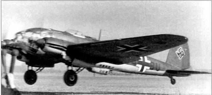 С французского аэродрома настает бомбардировщик Не-111Н-1, впереди – Англия, 1940 г. Первые Не-111Н отличались от Не-111Р лишь силовой установкой: моторами ЮМО-211.