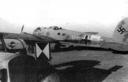 Этот Не111Н-4 (VG+ES, заводской номер 4085) использовал в качестве персонального самолета командующий корпусом«Африка» фельдмаршал Роммель. Верхние поверхности самолета камуфлированы песочно-желтой (RLM-79, FS 30215) и оливково-зеленой (RLM-80, FS34052) красками, низ – светло-голубой (RLM-78, FS 35352). Буквы бортового кода и полоса вокруг фюзеляжа – белые. Литеры «Е» и «S» обведены красной краской.