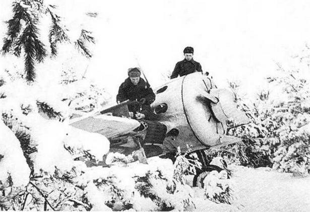 И-16 из состава 29 И АП. Подмосковье, зима 1941 г. (РГАКФД)