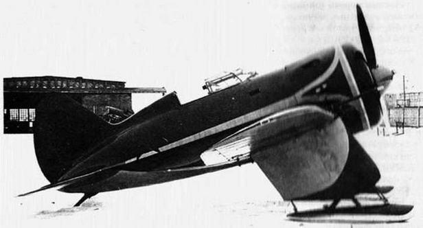 И-16 № 9211. переоборудованный в штурмовик . (ГАГО)