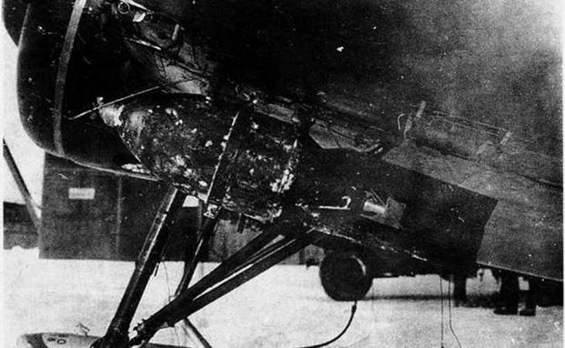 Подвеска бомбы ФАБ-100.