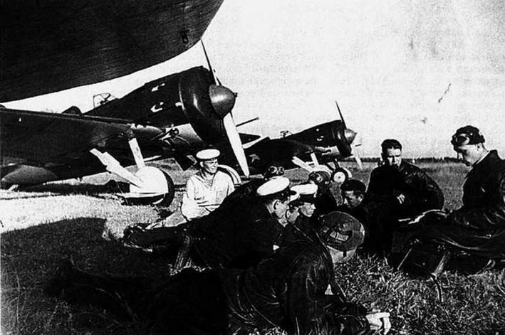 13-я отдельная отдельная авиаэскадрилья ВВС Балтийского Флота. 1940 г. (Г.Петров).