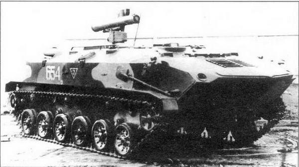 Бронетранспортер БТР-РД «Робот» с ПУ противотанкового комплекса «Конкурс»
