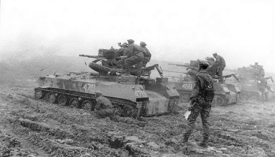 БТР-ЗД 7-й гвардейской воздушно-десантной дивизии на боевых стрельбах. Краснодарский край, апрель 1995 года
