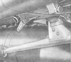 Подвеска 250-кг бомбы под Ju 87А