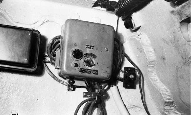 Установка аппарата ТПУ в башне танка КВ-1. Фото из американского отчета об испытании КВ-1 (РГАЭ).