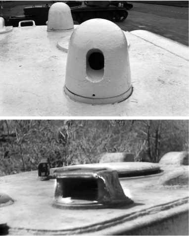 Бронировка башенных смотровых приборов КВ-1: вверху стандартная, для перископического прицела ПТ-4-7 и панорамы ПТК; внизу для перископического прибора, который ставился на части КВ-1 выпуска 1942 года у наводчика вместо перископического прицела. Это делалось из-за нехватки оптики, такой прибор не вращался и позволял вести наблюдение только вперед.