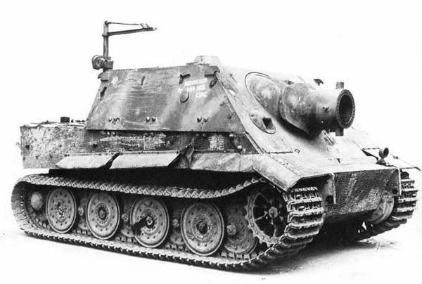 САУ «Штурмтигр», захваченная англичанами в 1945 году.