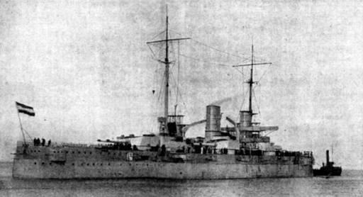 """Линейный корабль """"Рейнланд"""" во время достройки. 1908 г."""