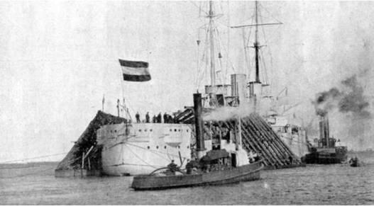 """Линейный корабль """"Рейнланд"""" на достройке. 1909 г."""