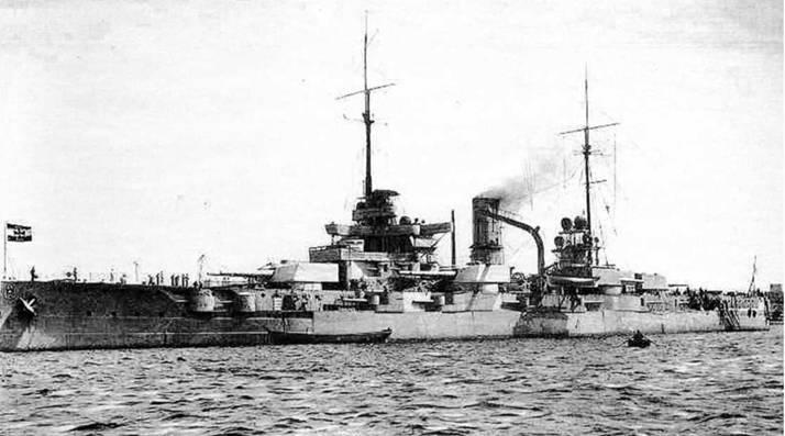 """Линкоры типа """"Нассау"""" на маневрах Флота Открытого моря (вверху) Линейный корабль """"Позен"""" (фото внизу)"""