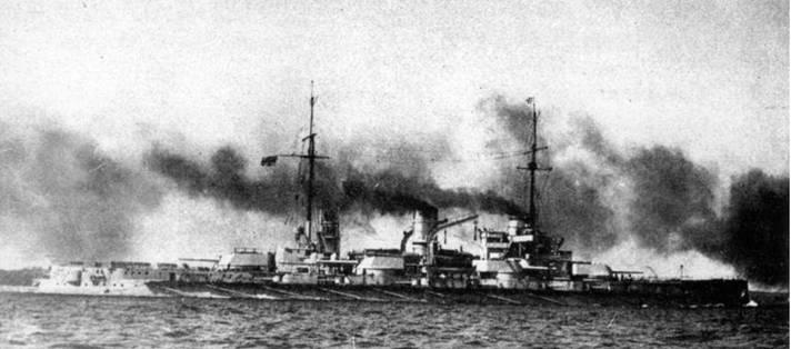 """Линейный корабль """"Позен"""" в различные годы службы"""