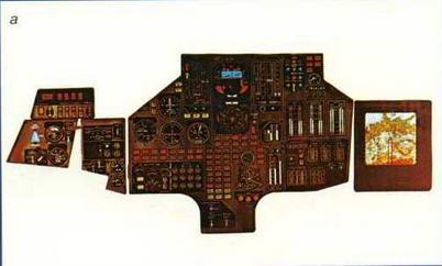 """Фотографии приборных досок в кабине самолета """"102"""": а - приборная доска летчика"""