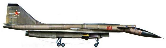 Правый борт самолета, нос опущен. (Авиационный музей в Монино)