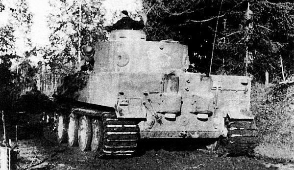 «Тигр» из состава 1-й роты 502-го тяжёлого танкового батальона. Восточный фронт, сентябрь 1942 года.