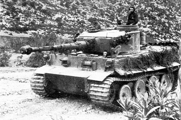 «Тигр» из состава 501-го тяжёлого танкового батальона. Тунис, 1943 год.