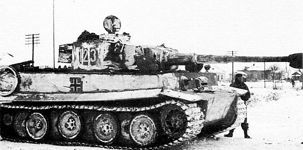 Один из «тигров» 503-го тяжёлого танкового батальона во время боёв на Северном Кавказе. Январь 1943 года.