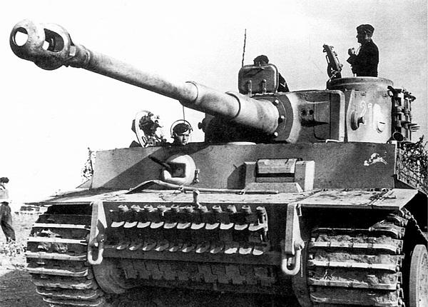 «Тигр» №214 из 2-й роты 505-го тяжёлого танкового батальона. Операция «Цитадель», июль 1943 года.