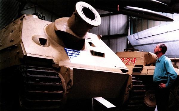 Серийный «Штурмтигр» в экспозиции Автомобильного и технического музея в Зинсхайме (Германия). Фотография Д.Орлова.