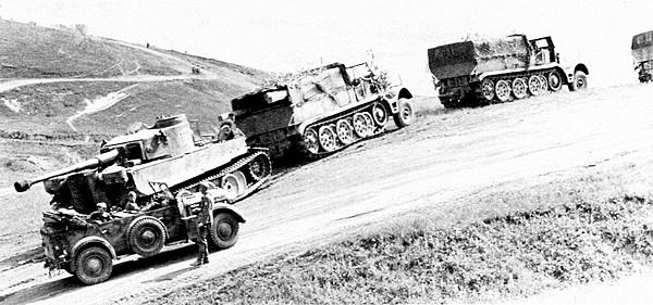 Для буксировки одного «Тигра» требовалось как минимум три 18-тонных тягача Famo.