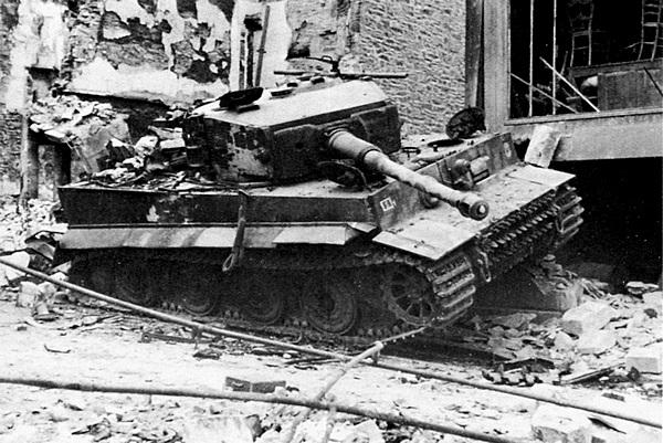 Большинство «тигров» 101-го батальона было подбито в ходе боёв в Нормандии.