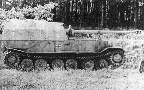 «Элефант» из состава 3-й роты 653-го тяжёлого дивизиона истребителей танков. Польша, 1944 год.