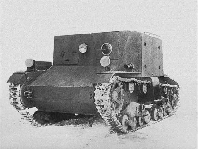 Общий вид транспортера пехоты ТР-4. 1934год. Для удобства посадки пехотинцев под бортовыми дверями имелись специальные подножки и поручни на крыше рубки(АСКМ).